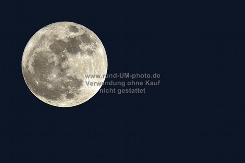 001b_Mond-Freund